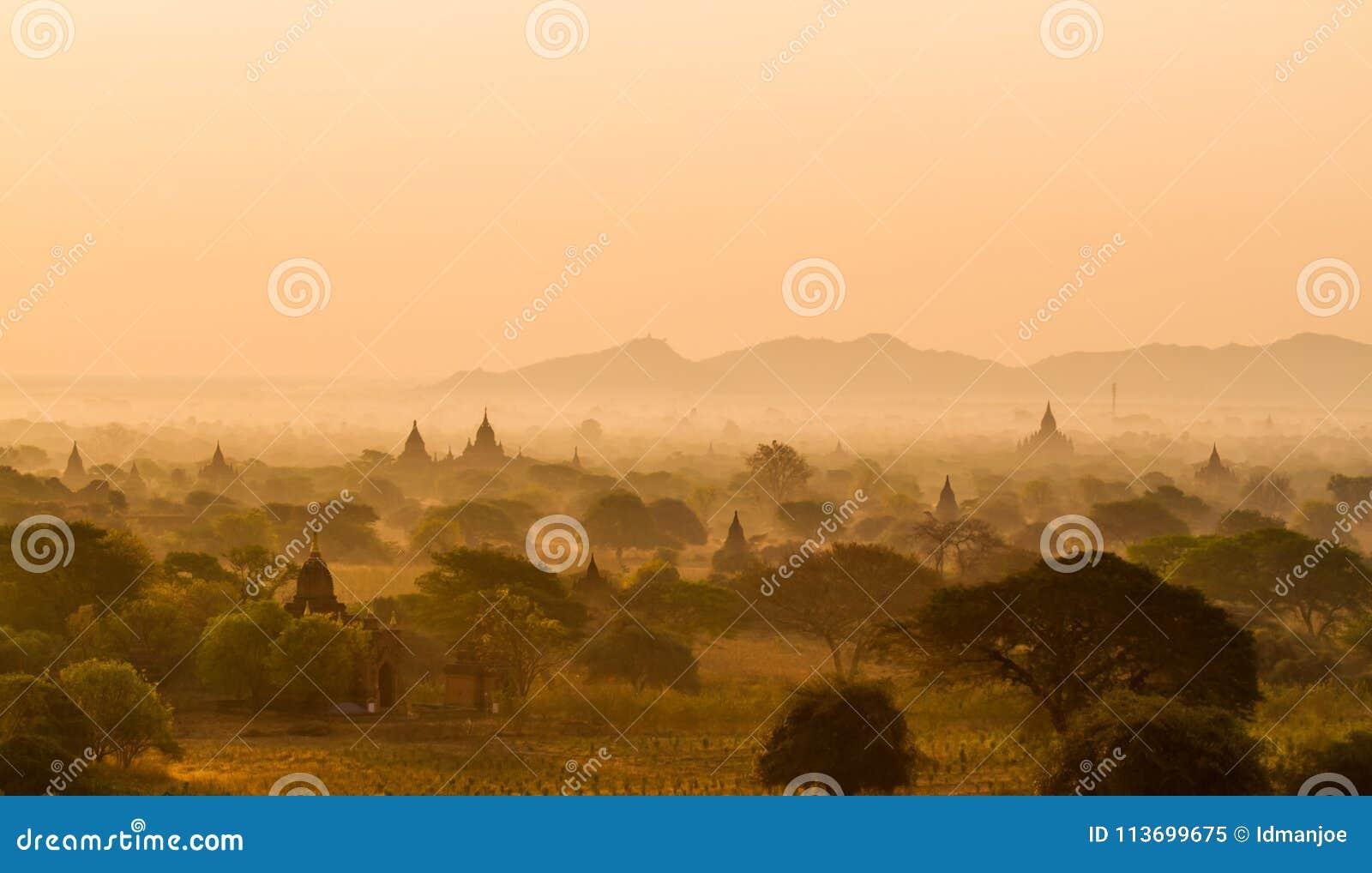 Nascer do sol de Bagan