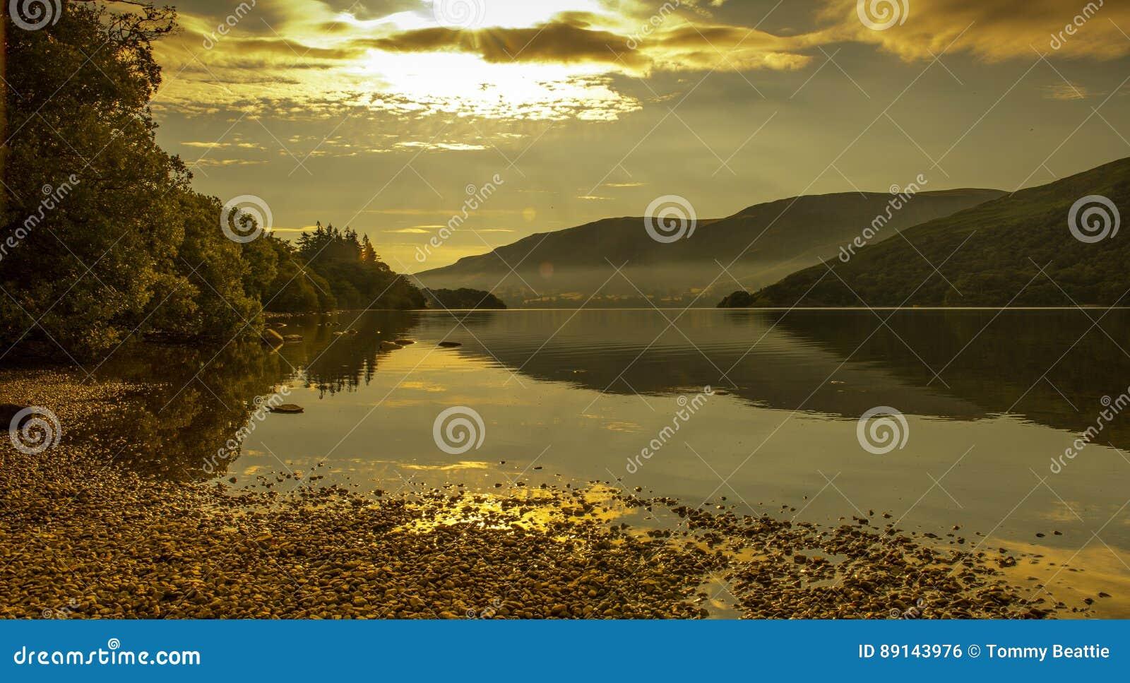 Nascer do sol de Ullswater