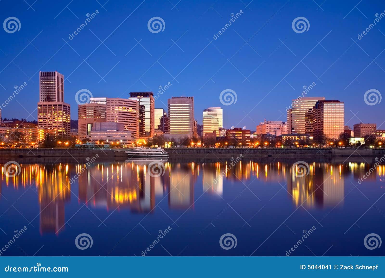Nascer do sol do beira-rio de Portland