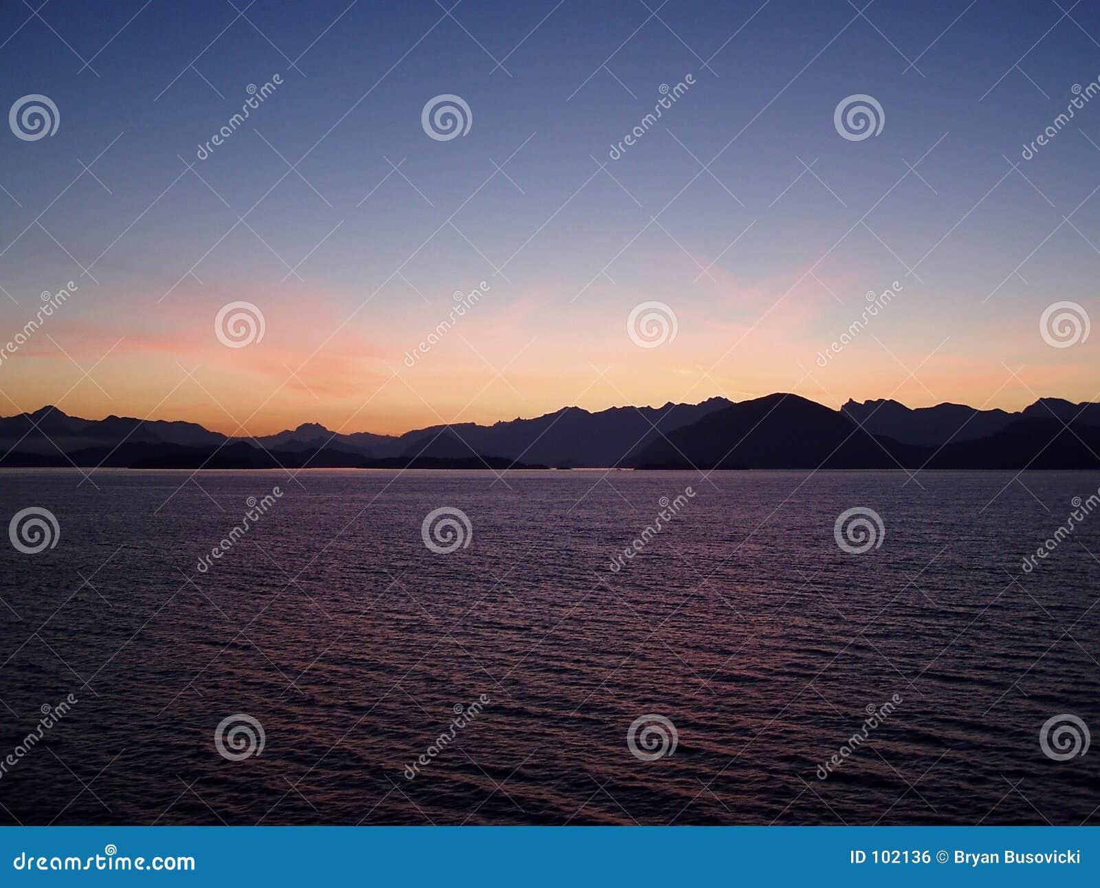 Nascer do sol do Columbia Britânica