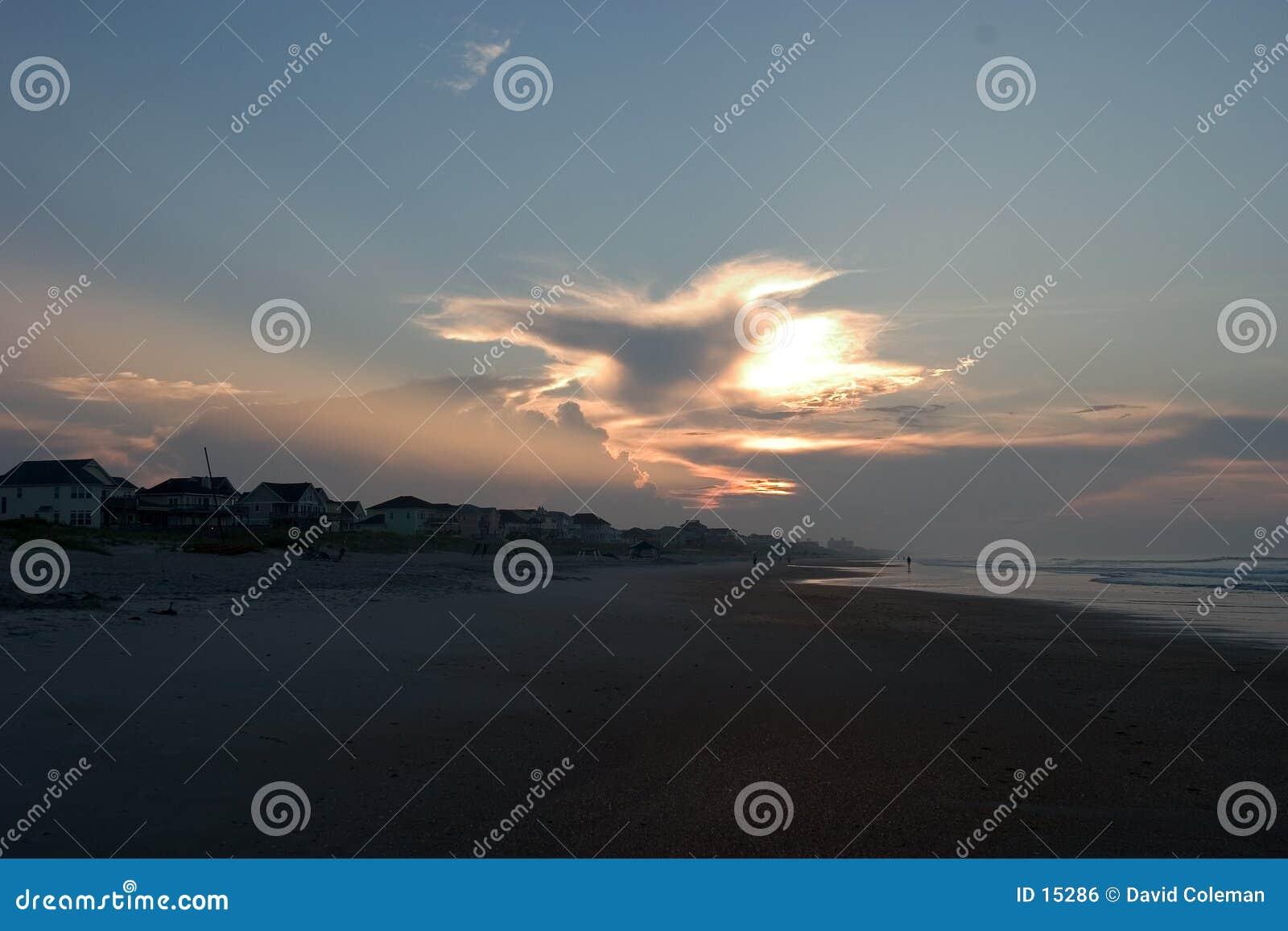 Nascer do sol em bancos exteriores North Carolina
