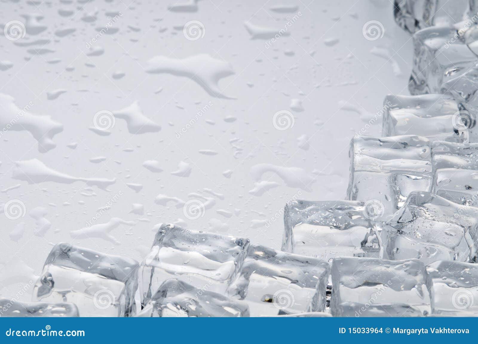 Nasse Eiswürfelnachrichten