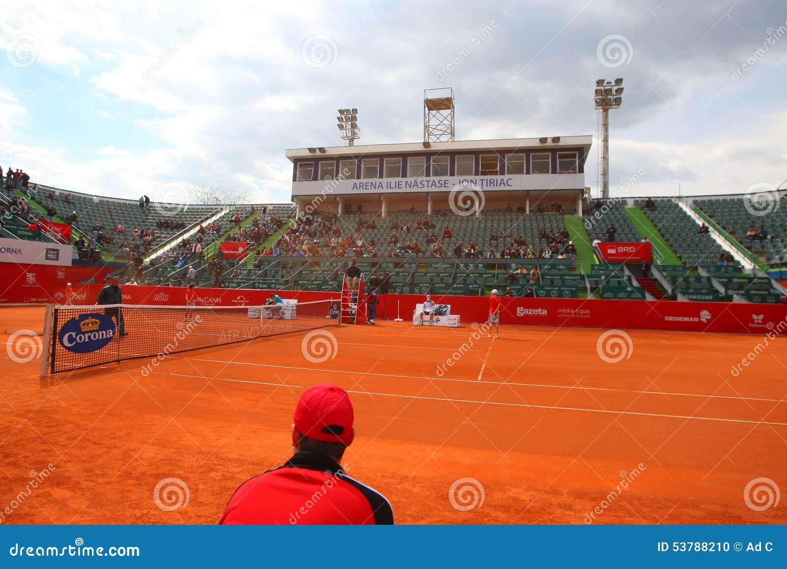 Nastase Tiriac arena podczas Tenisowego dopasowania Między GIMENO-TRAVER - Viktor TROICKI