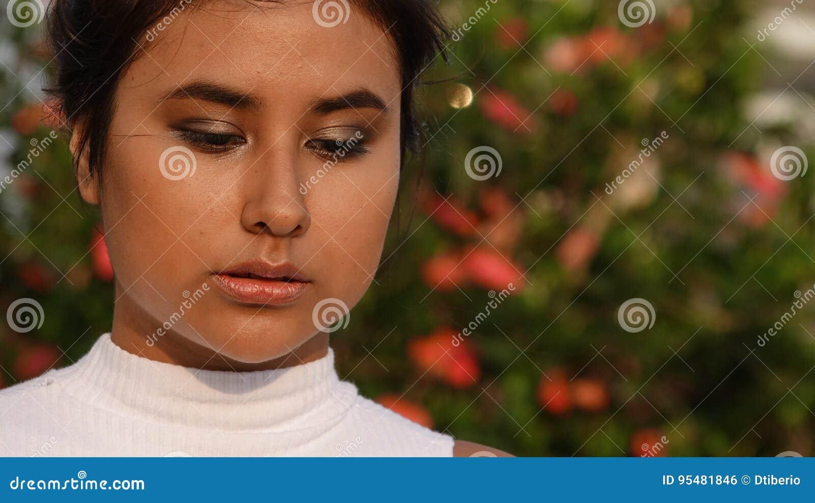 Nastoletnia kobieta I zamieszanie