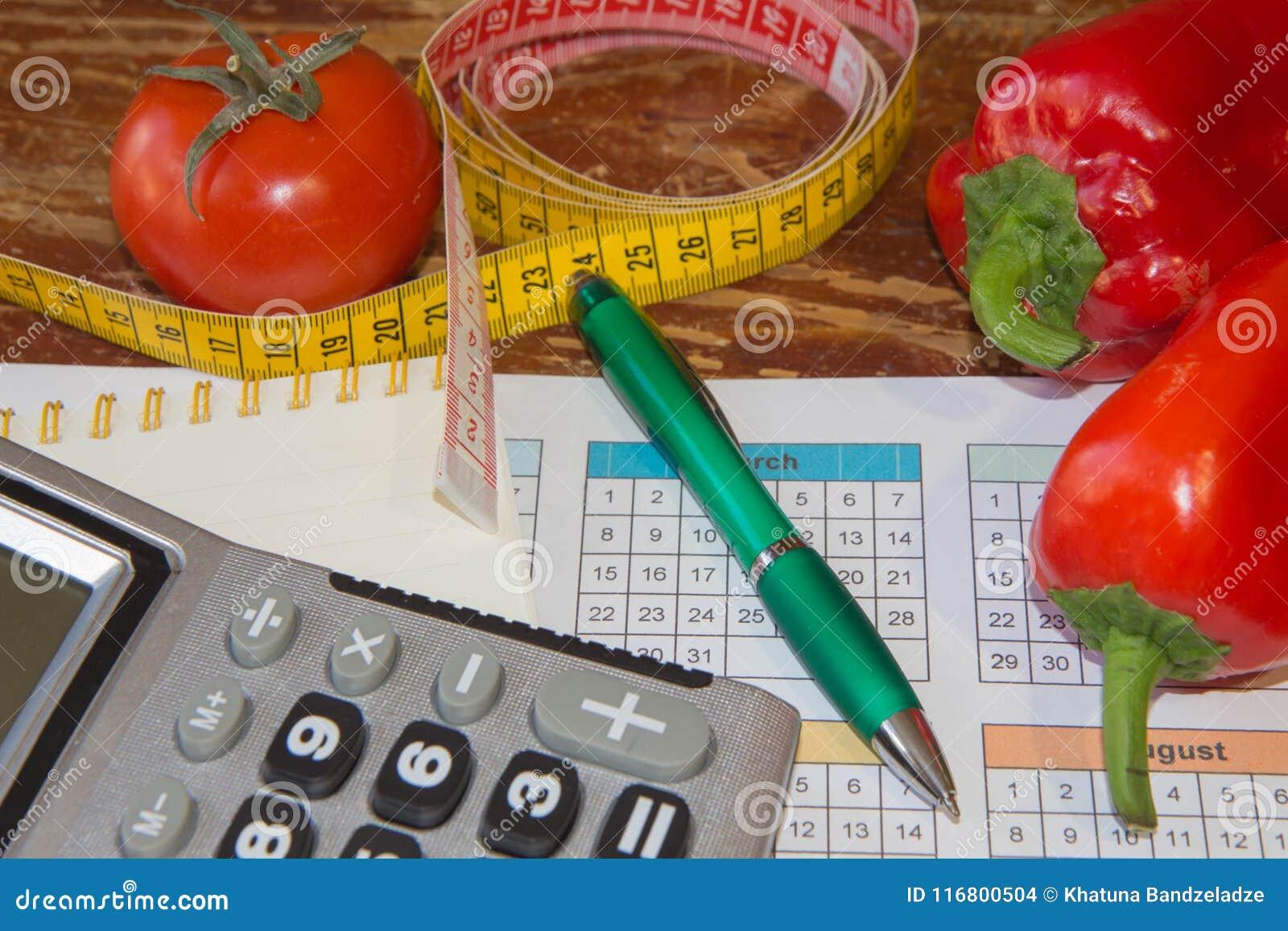 Nastro di misura e frutta fresca Dieta sana di stile di vita con la frutta fresca Dieta ipocalorica della frutta