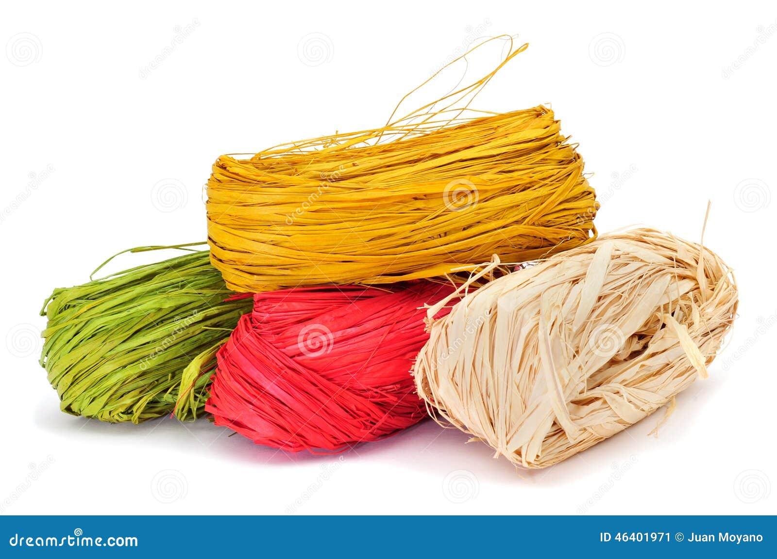 Natürlicher Raffiabast von verschiedenen Farben