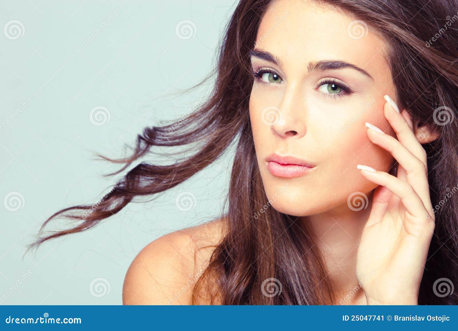 Natürliches Schönheitsfrauenportrait