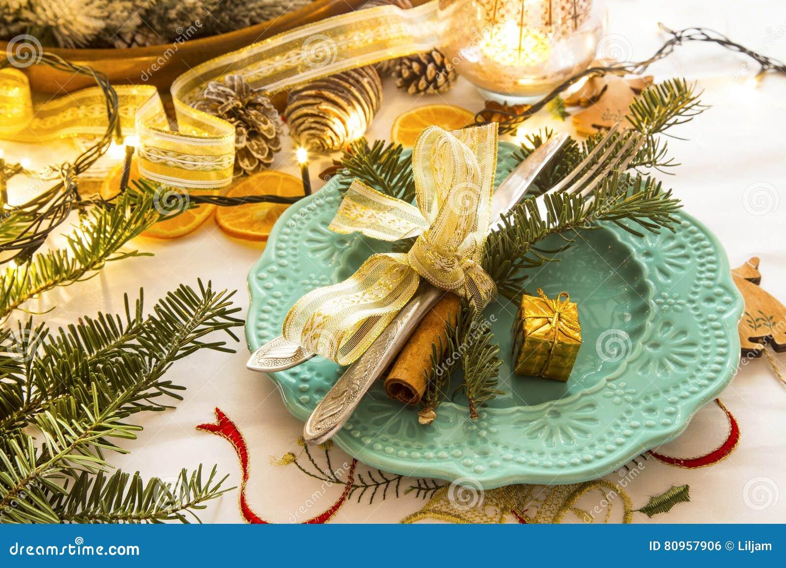 Natale che mette con le palle ed il nastro d 39 argento for Antifurto con le palle