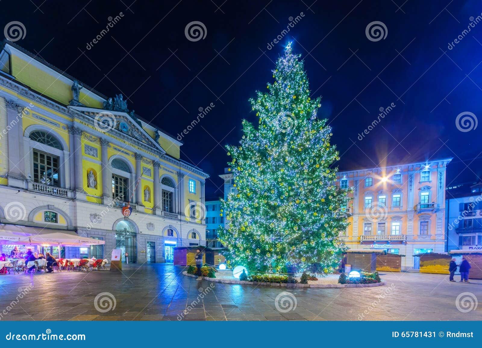 Decorazioni Natalizie Lugano.Natale A Lugano Fotografia Editoriale Immagine Di Cityscape 65781431