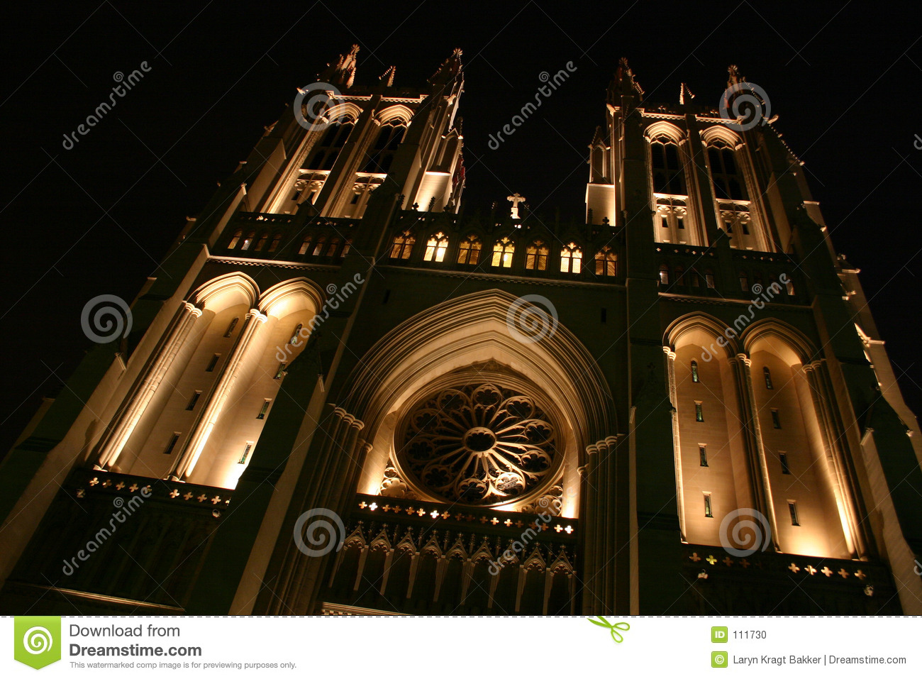 national cathedral angled and lit for 39 looming 39 effect. Black Bedroom Furniture Sets. Home Design Ideas