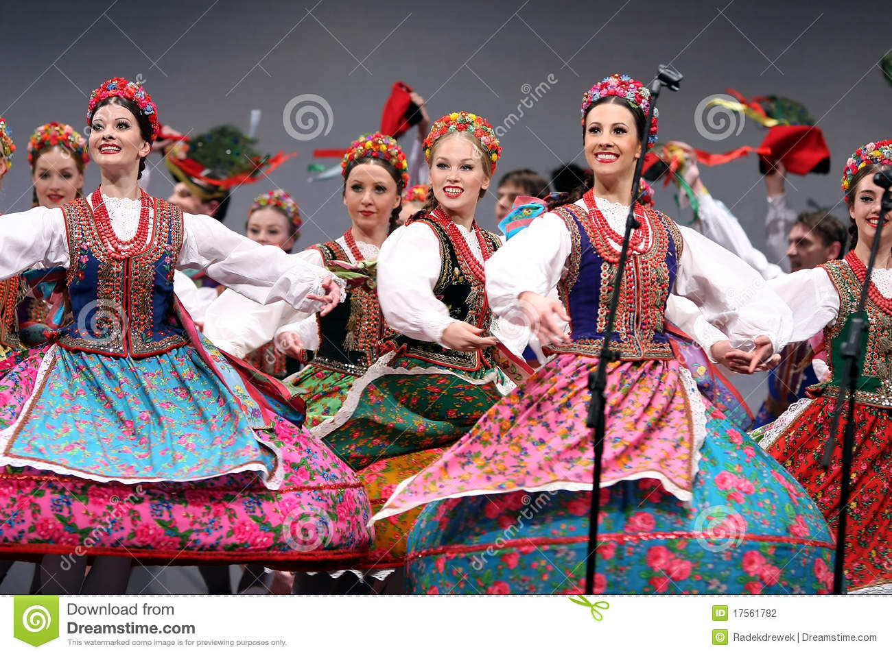 Mazowsze: The Music & Dance of Poland (PBS Special)