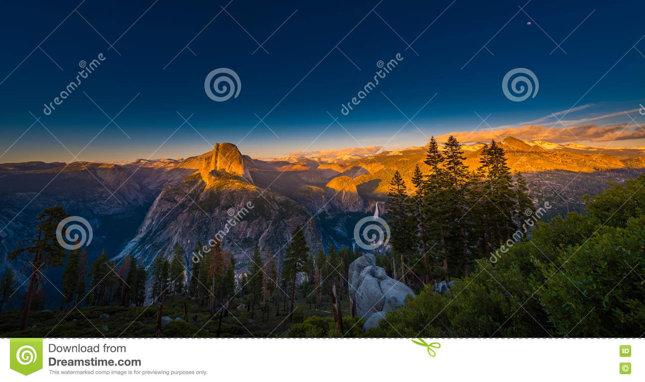National park yosemite half dome lit by sunset light for Lit national