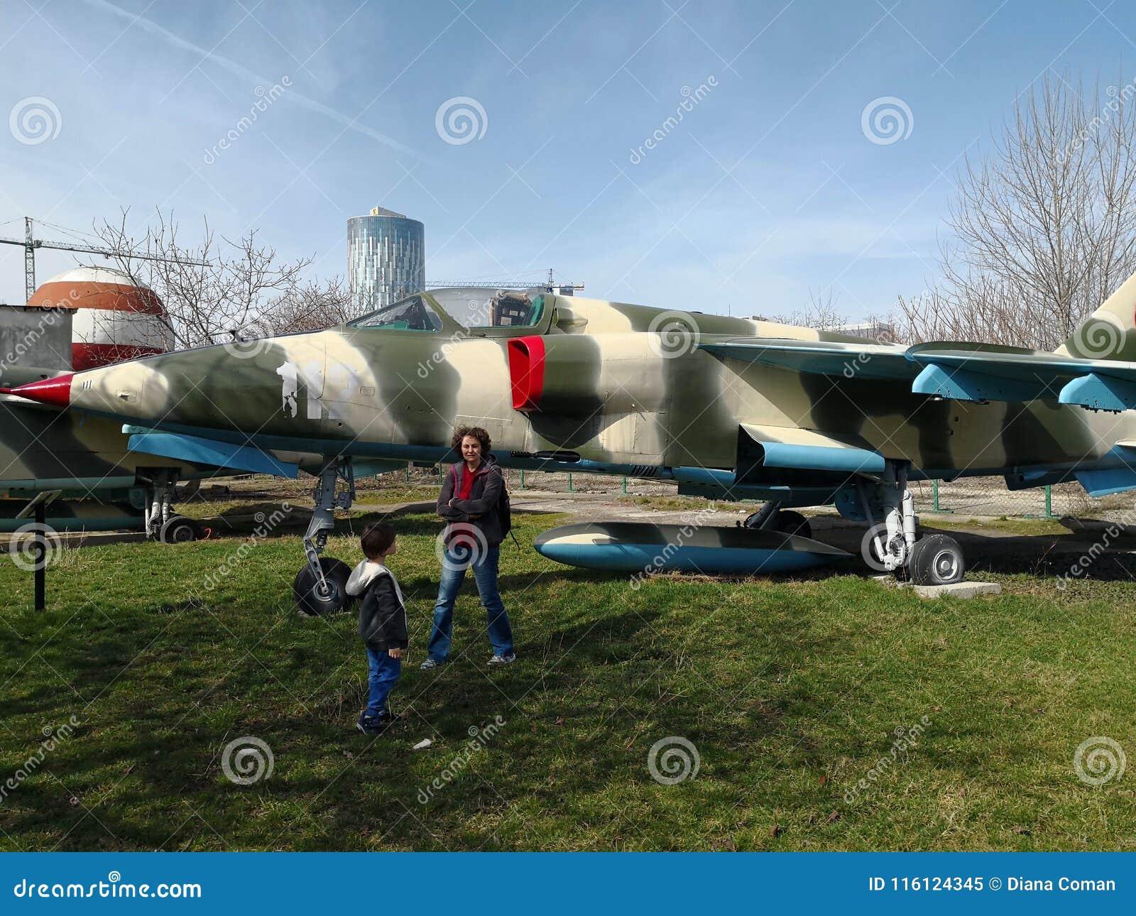 Nationales Luftfahrt-Museum - Militärflugzeug