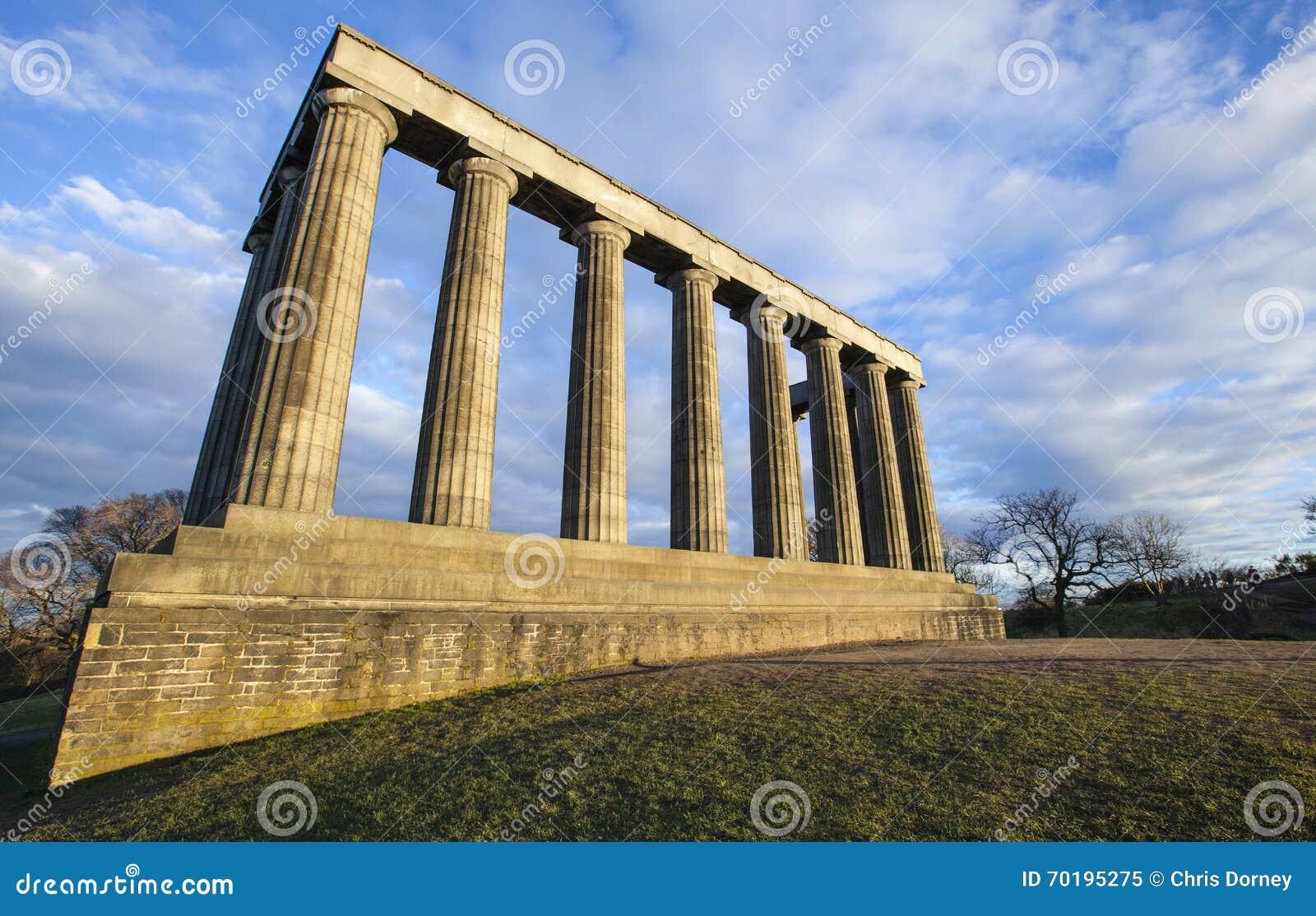 Nationell monument av Skottland i Edinburg