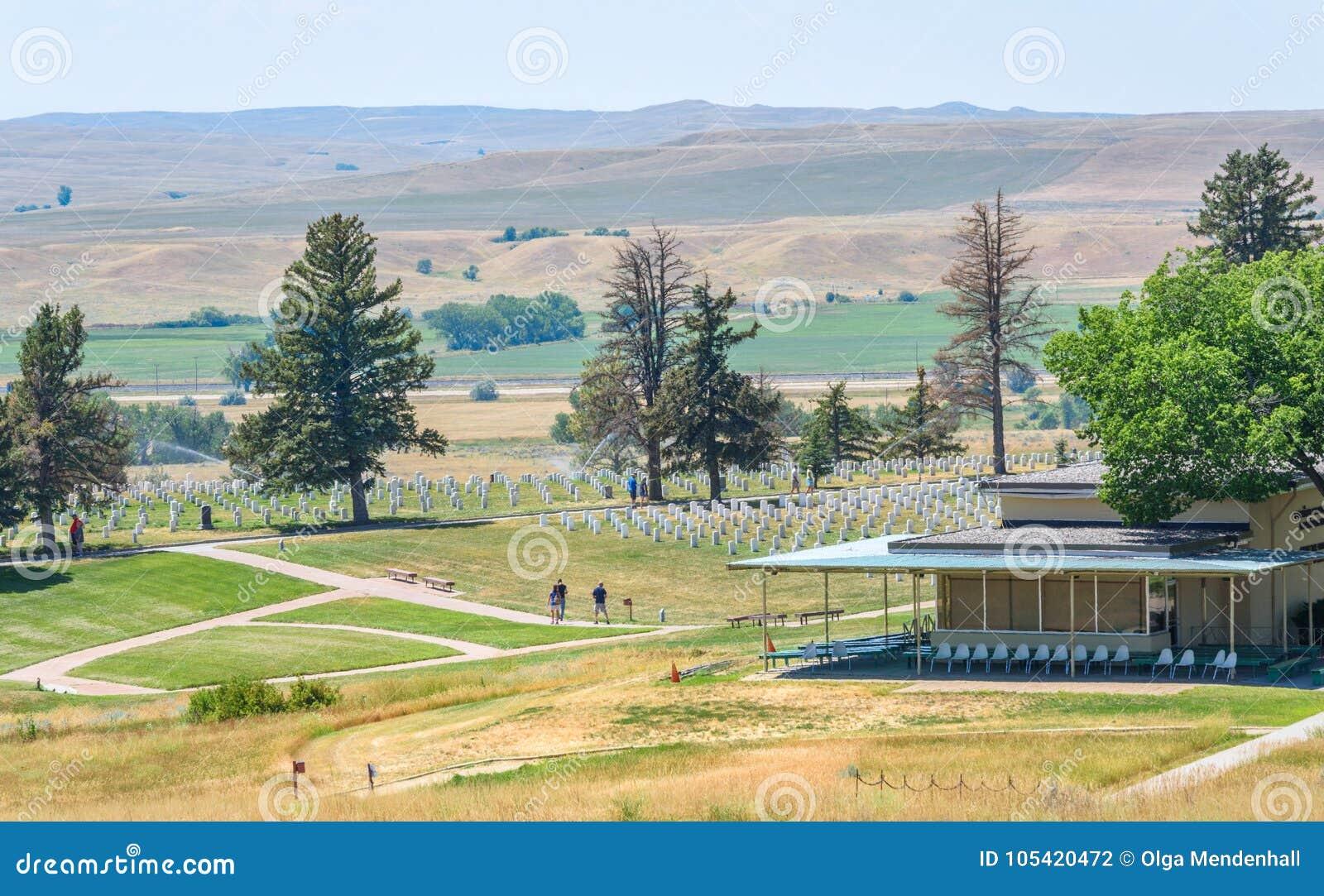 Nationell monument för Little Bighornslagfält, MONTANA, USA - JULI 18, 2017: Custer Battlefield Museum Custer National Cemetery i
