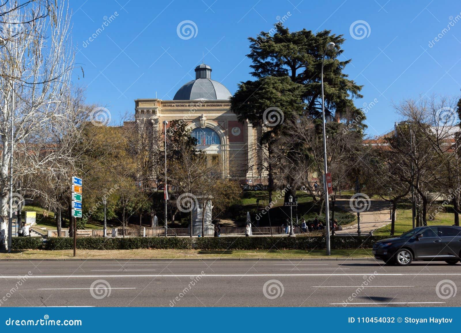 Nationellt museum av naturvetenskaper på den Paseo de la Castellana gatan i stad av Madrid, Spanien
