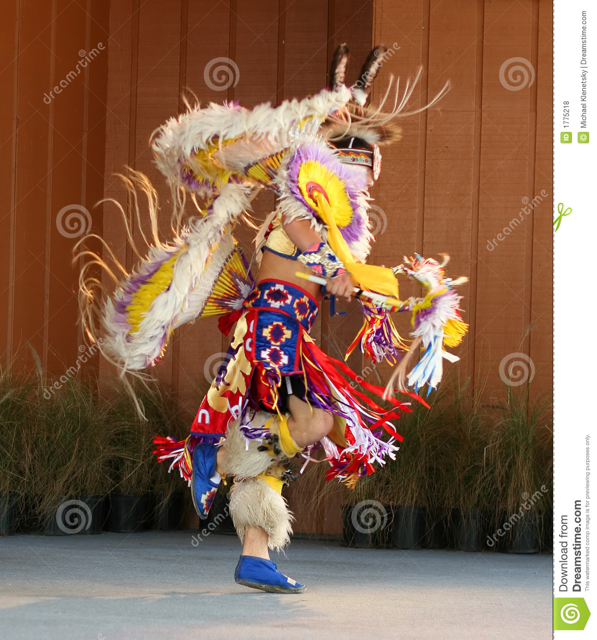 Native American Dancing 3 Royalty Free Stock Photos - Image: 1775218