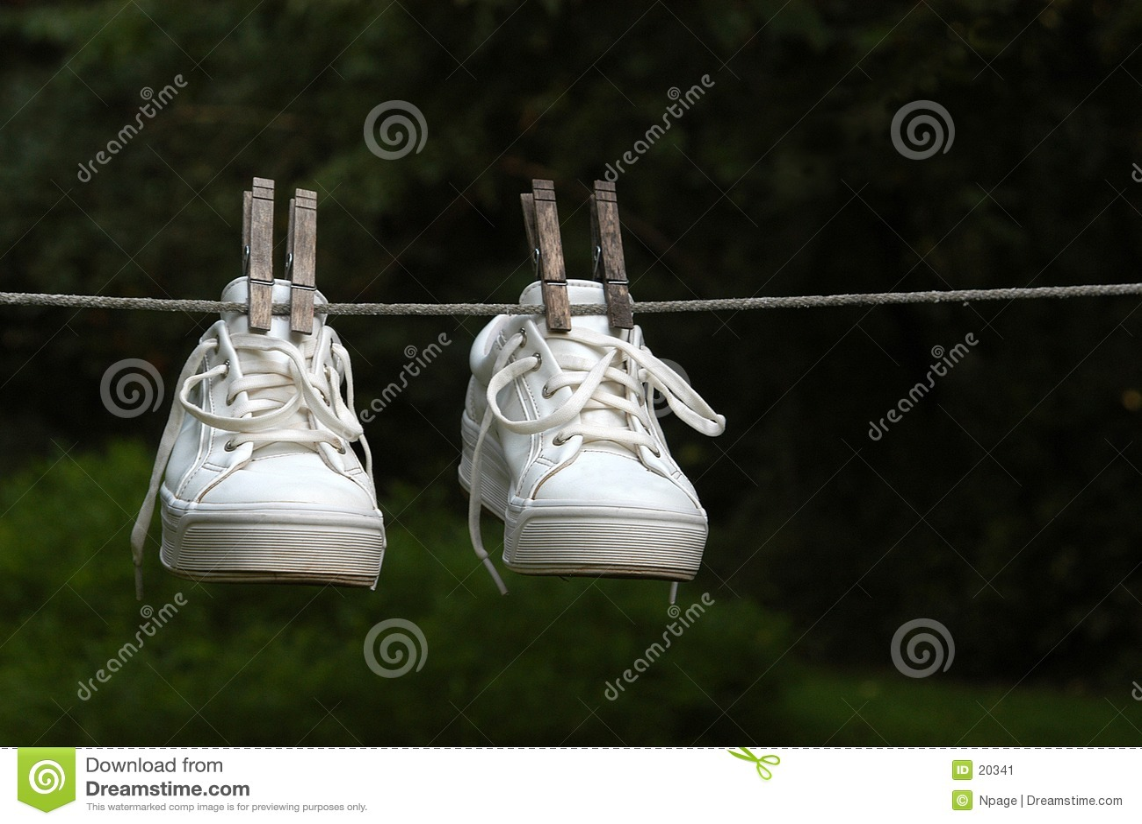 Natte Tennisschoenen