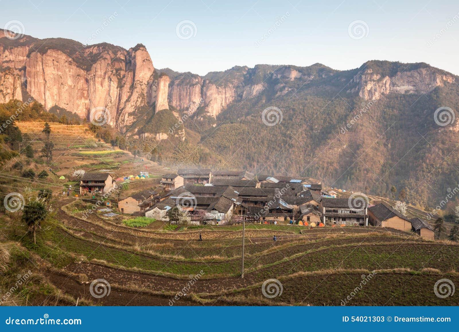 Natur för kinesShenxianju primitiv by