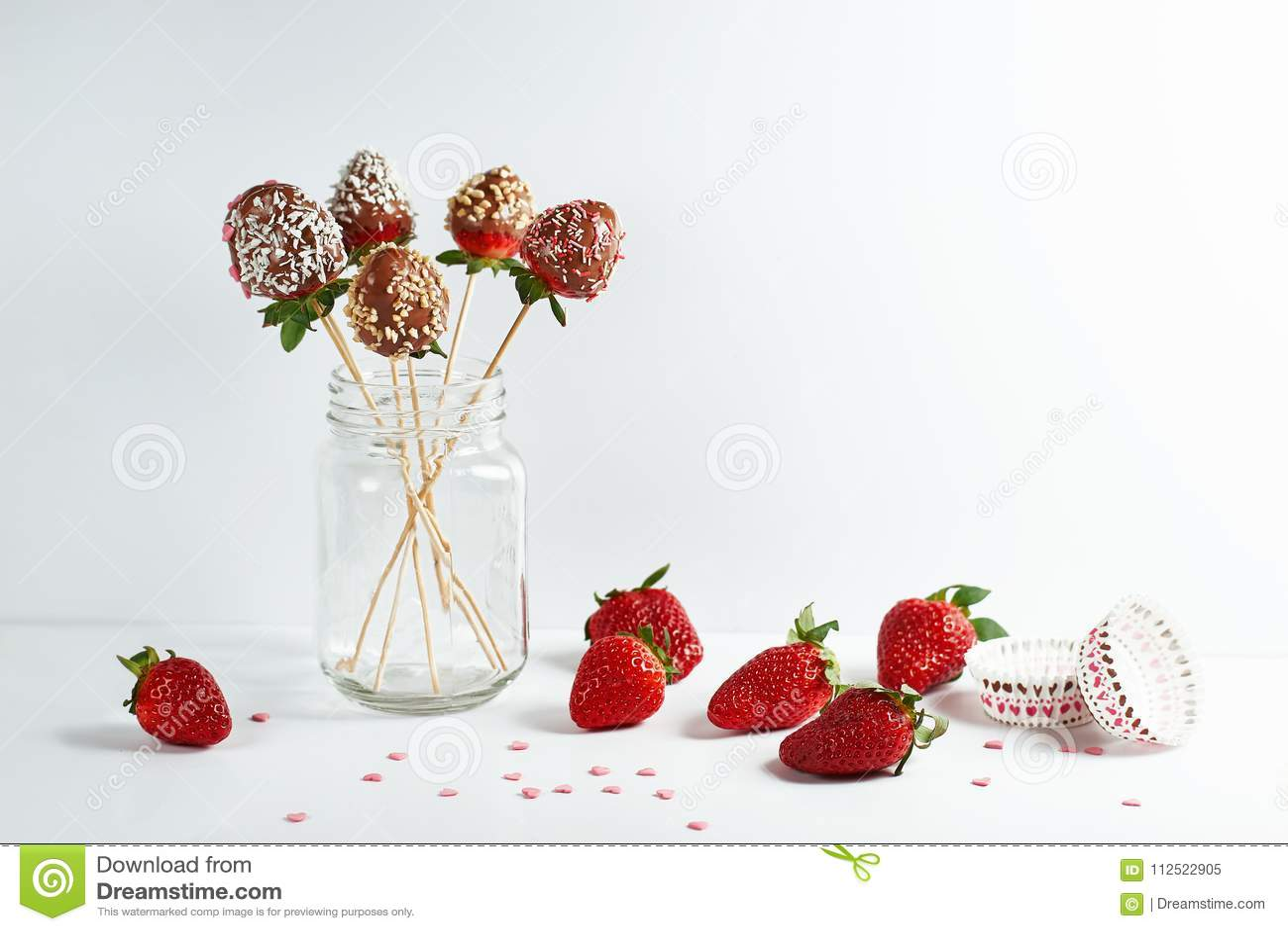 Natura morta delle fragole in cioccolato