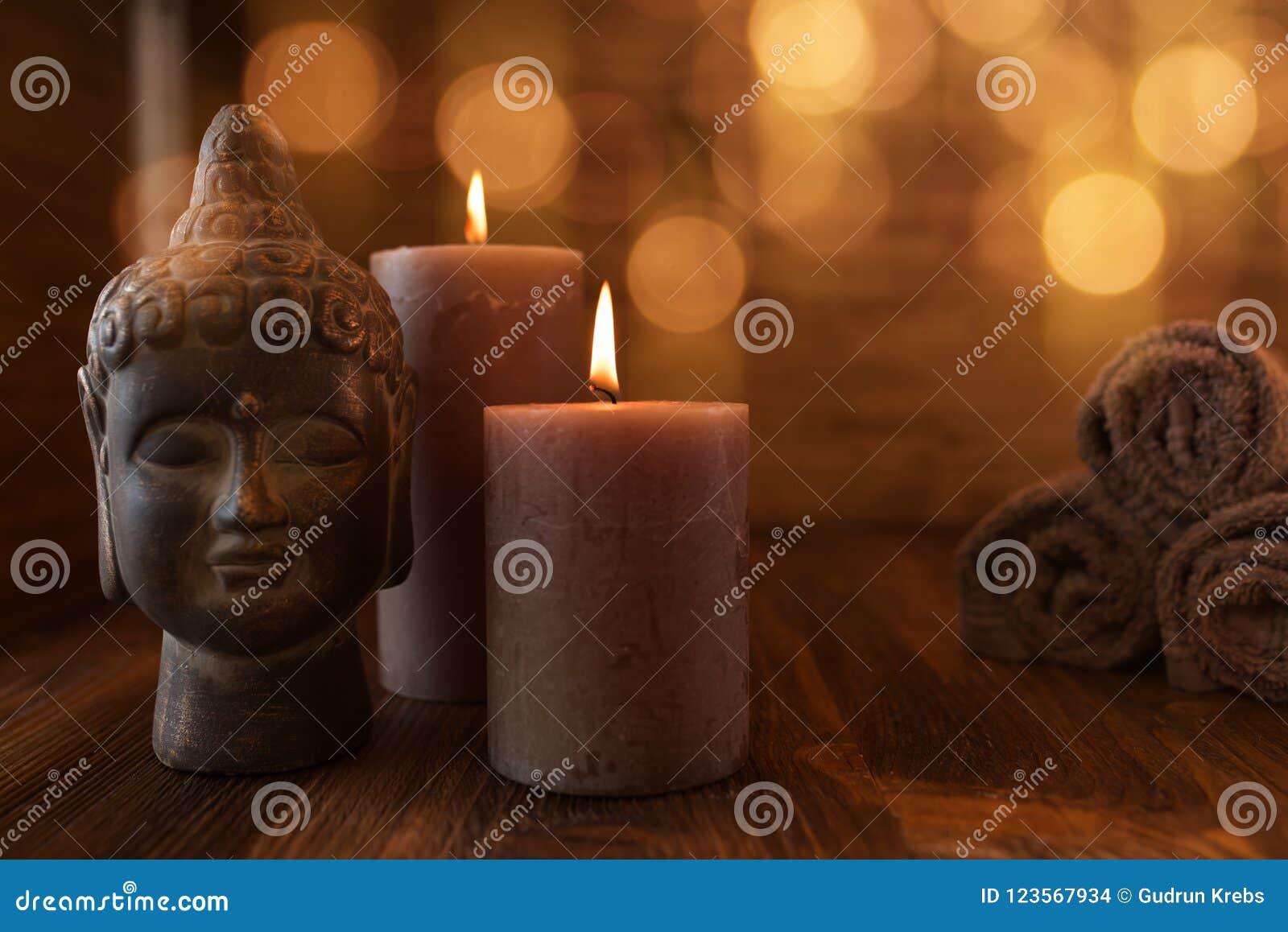 Natura morta di benessere di bellezza con la testa di Buddha