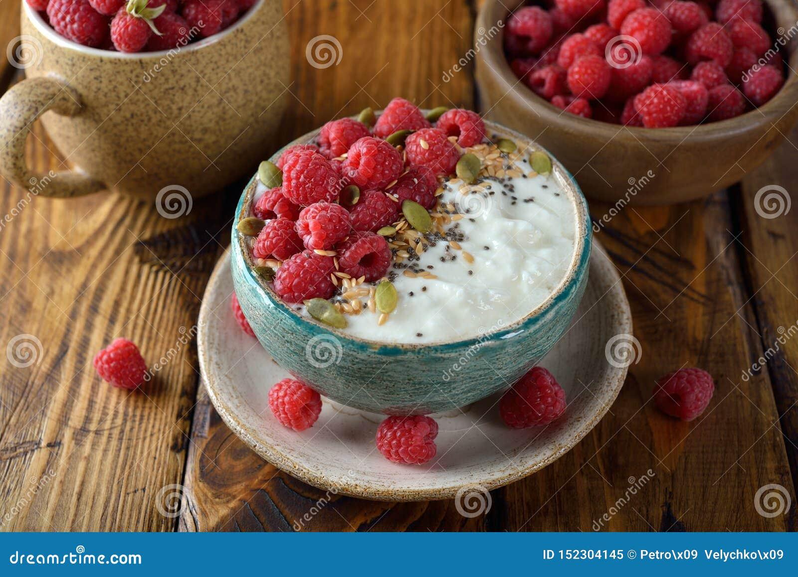Natural diet yoghurt