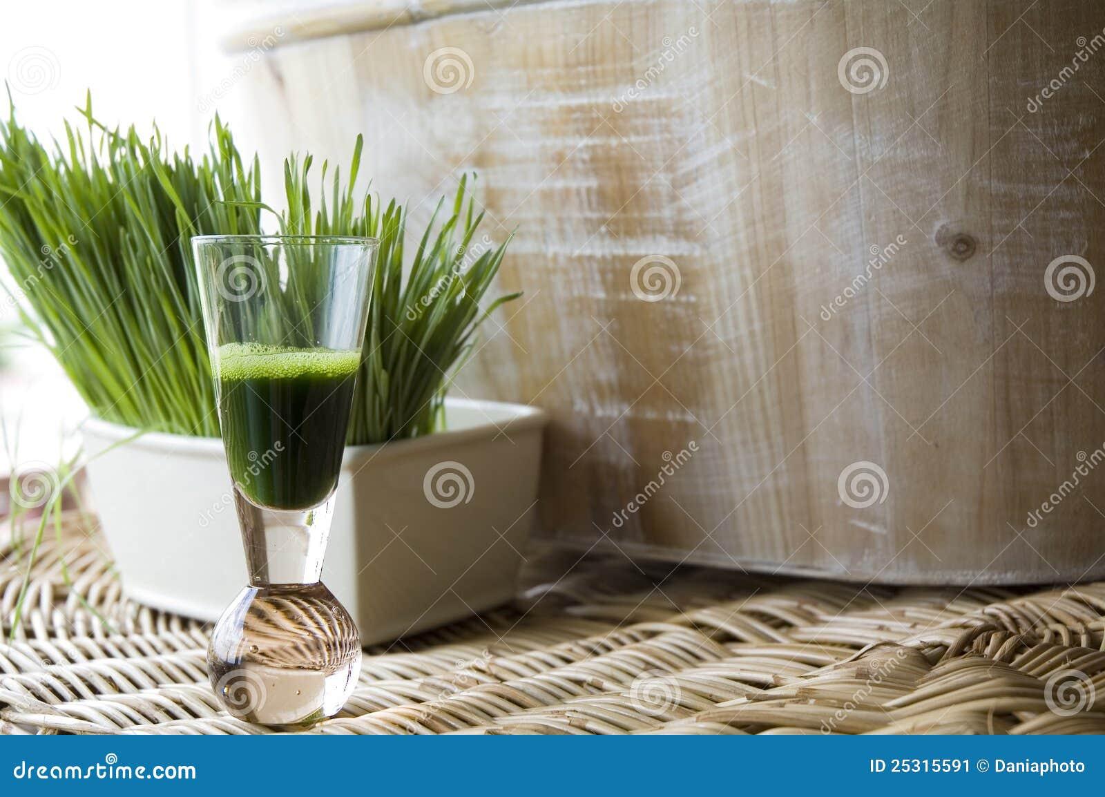 Natural wheatgrass shot