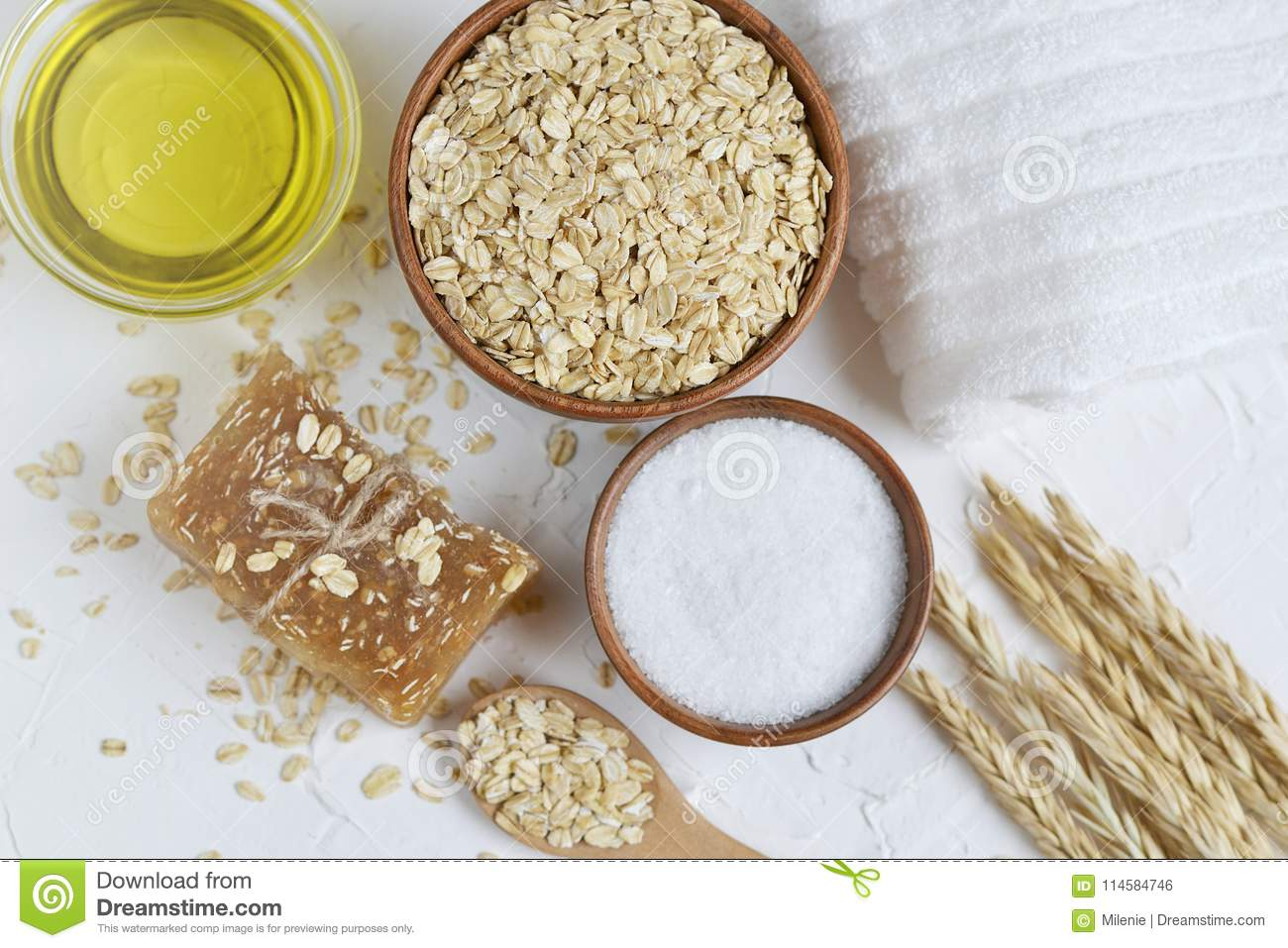 Natural Ingredients for Homemade Oatmeal Body Face Scrub