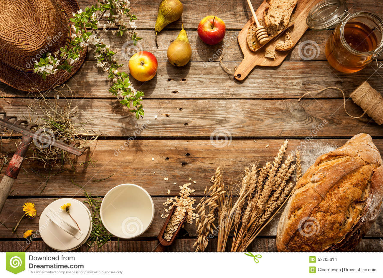 Natural local food products on vintage wooden table stock for Cuisine wooden