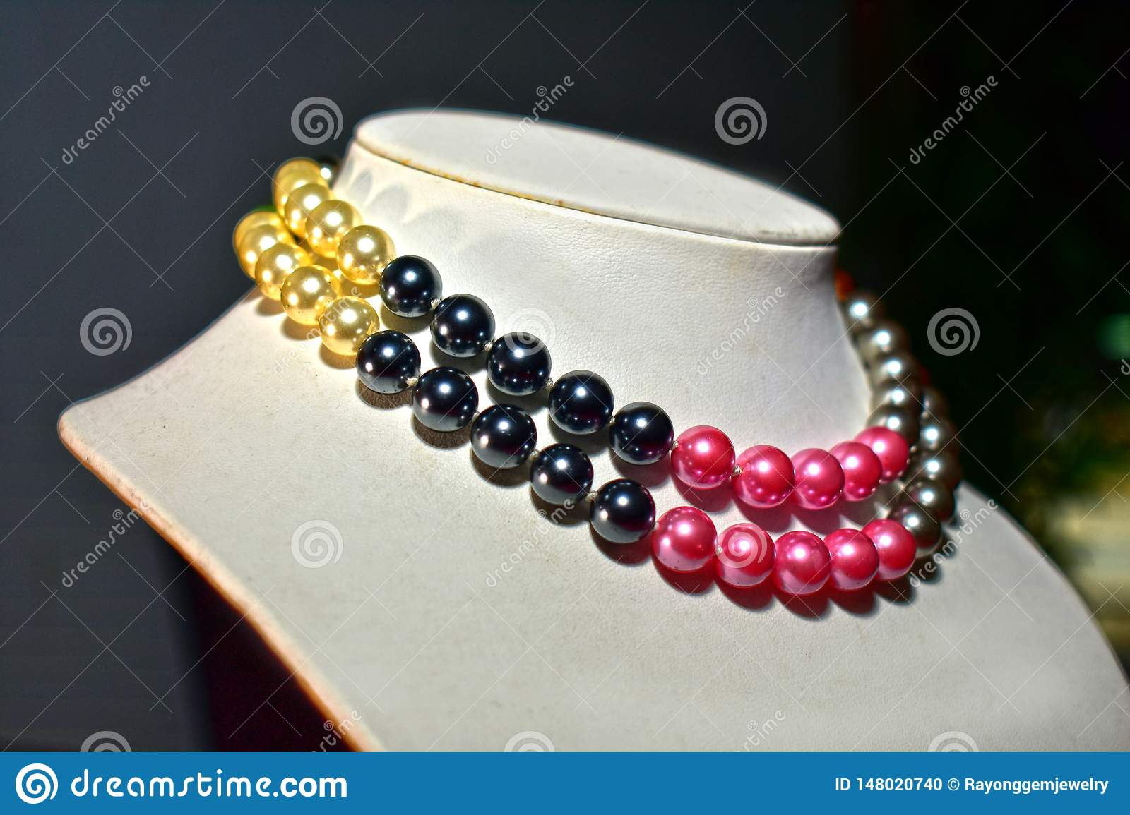 Natural Pearl Necklace Beautiful And Expensive As Jewelry For