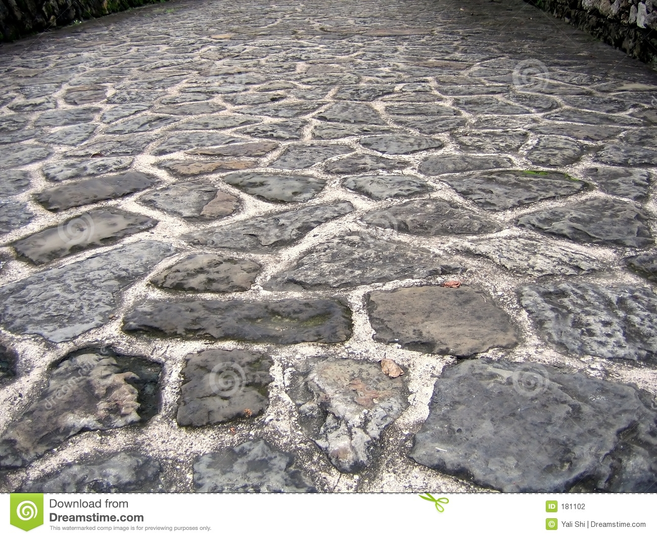 Natural stone road stock photo image of bumpy block for Camino de piedra para jardin