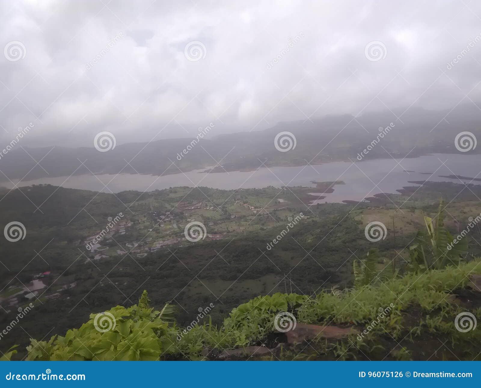 Naturaleza en la estación de lluvias