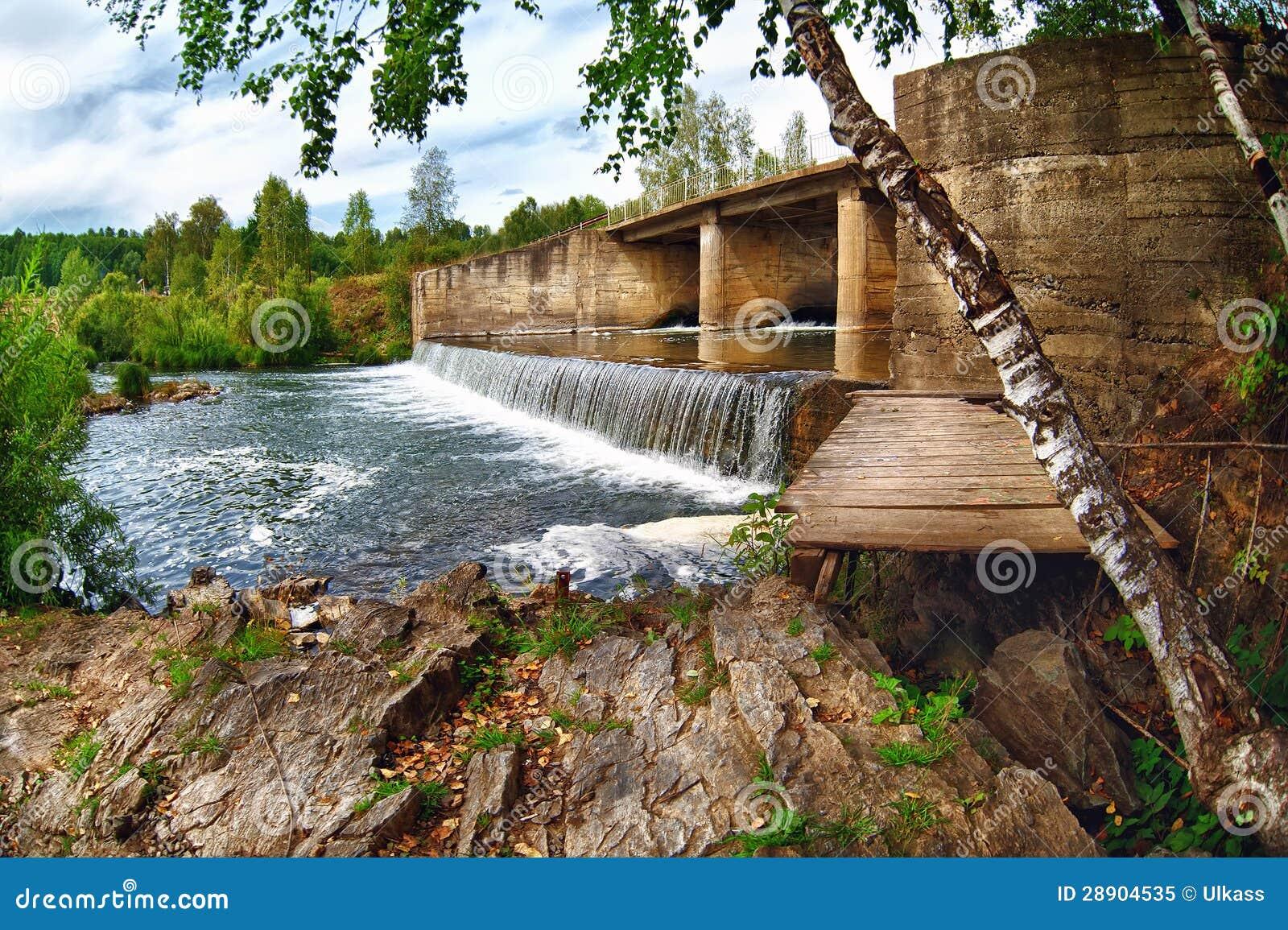 Naturaleza hermosa del verano de Suenga del río de Rusia