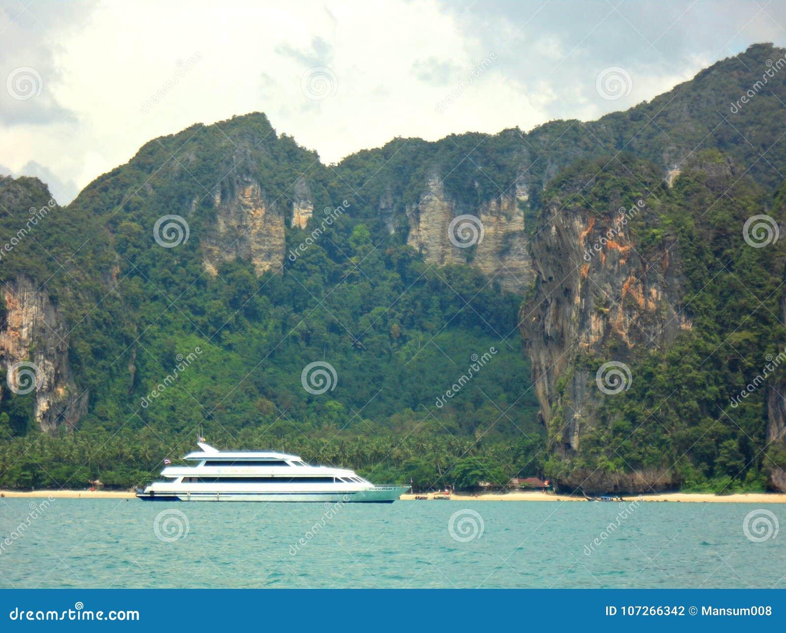 Naturaleza hermosa en Karbi Tailandia