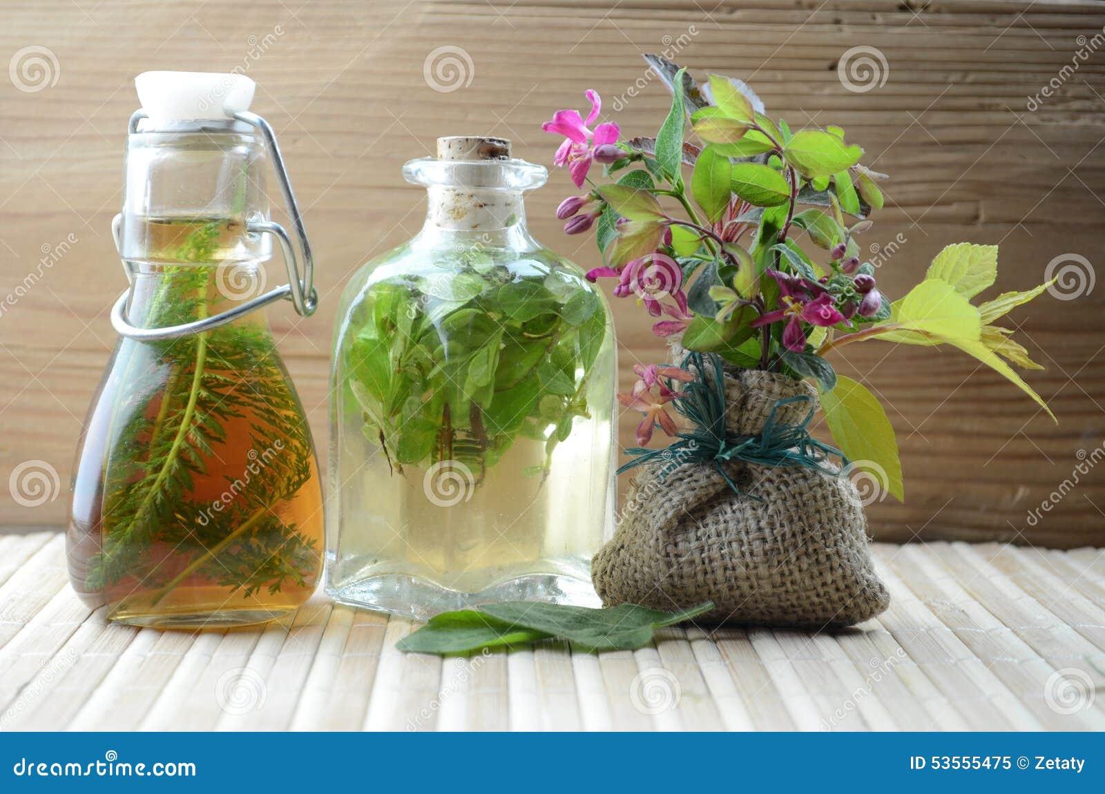 Naturalna ziołowa tinctures medycyna