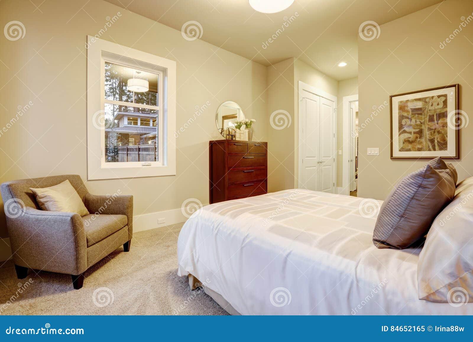 Naturalny Kolor Sypialni Wnętrze Z Królowej łóżkiem Obraz