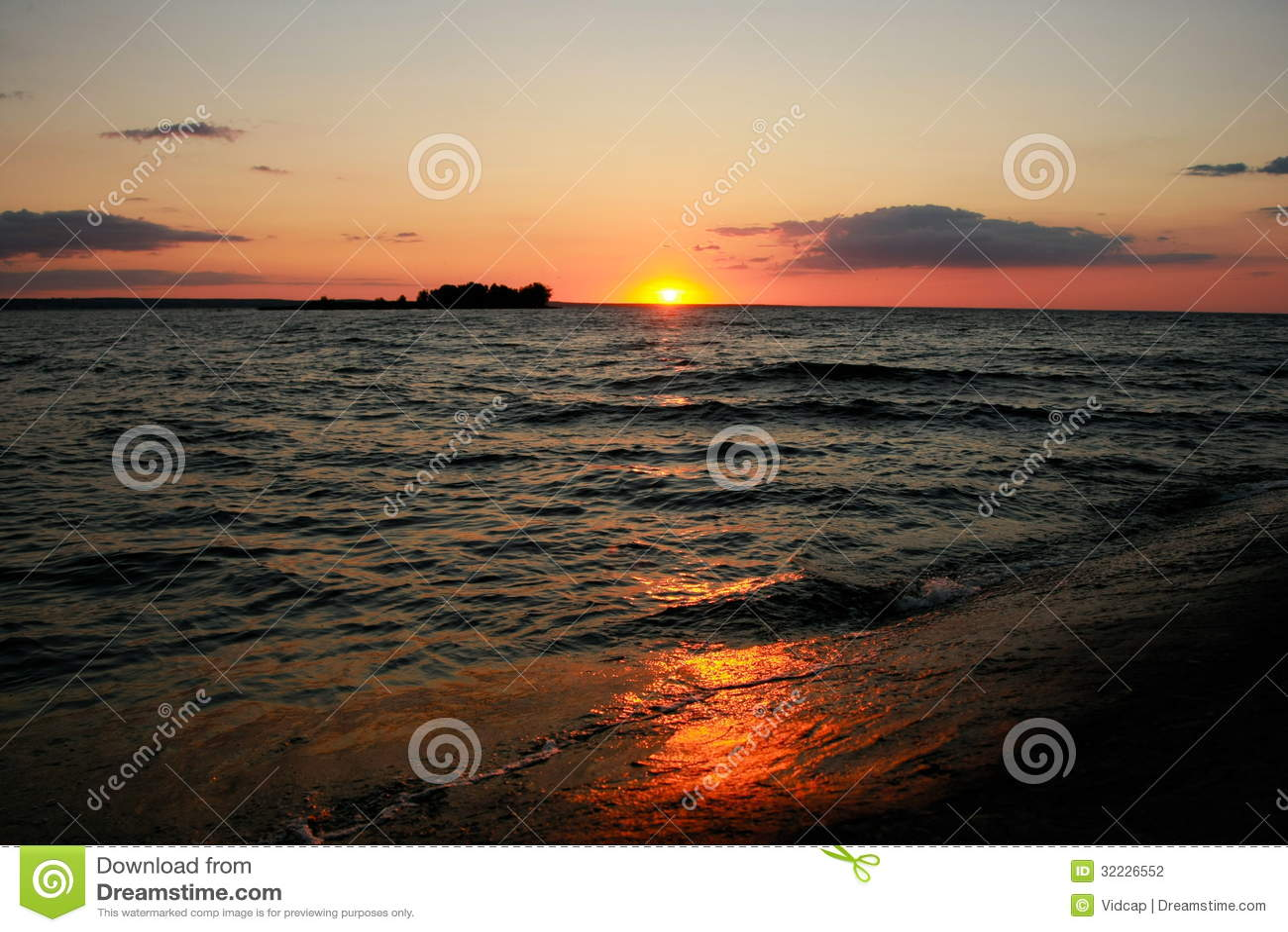Download Natureza foto de stock. Imagem de afterglow, céu, nave - 32226552