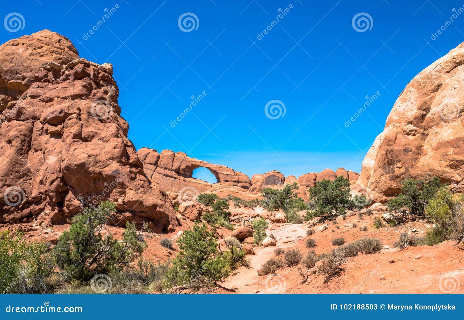 Naturlig stenbågar och öken Bågenationalpark, USA