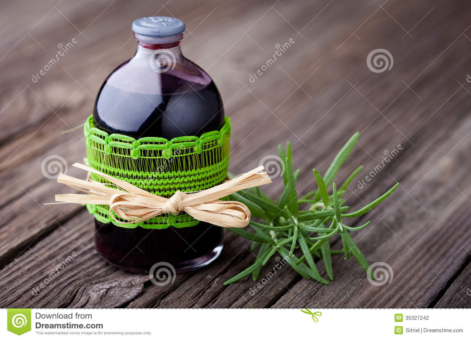 Naturligt diy rosmarin- och vinhårfärgpulver