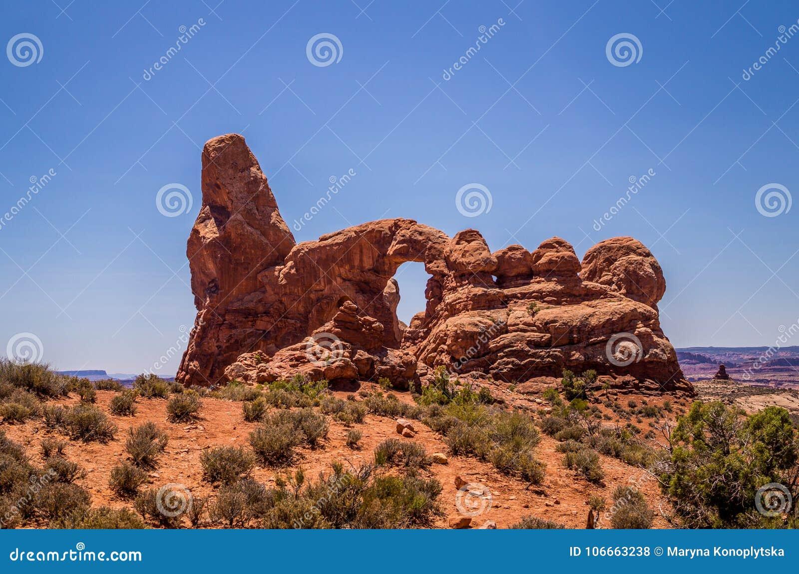 Naturligt parkerar av Amerika Välva sig nationalparken, Utah, USA Naturlig stenbåge