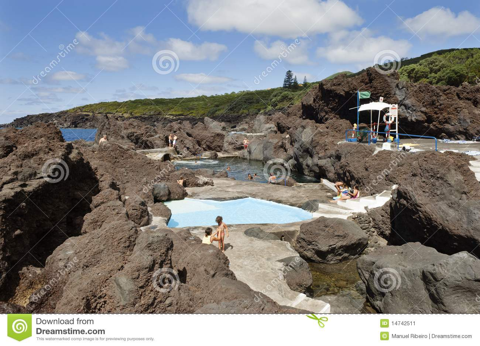 Natuurlijk zwembad in faial redactionele foto afbeelding 14742511 - Natuurlijk zwembad ...