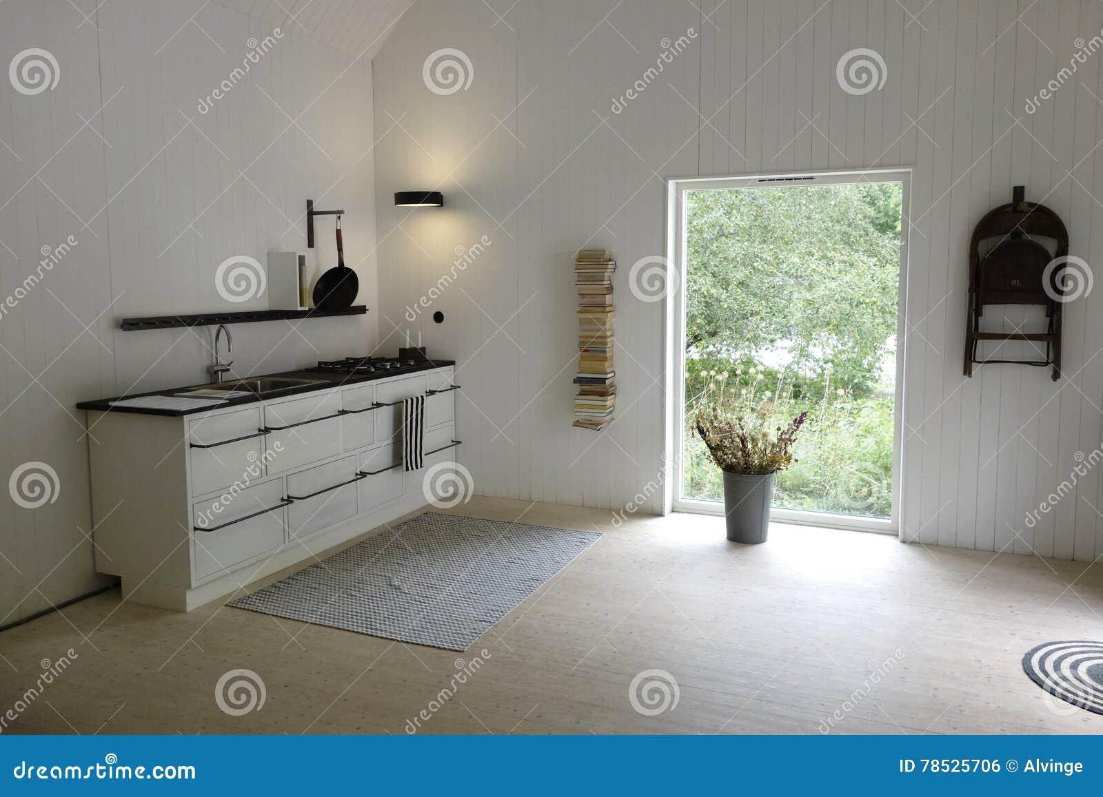 Keuken Interieur Scandinavisch : Natuurlijke lichte keuken in simplistisch skandinavisch ontwerp