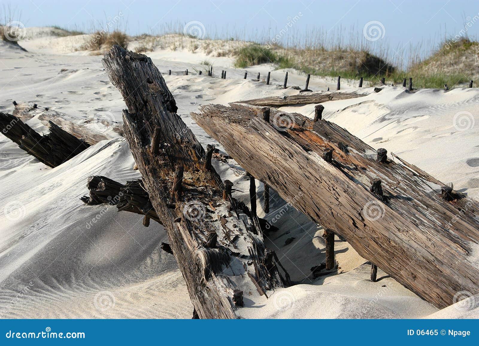 Download Naufrage image stock. Image du carolina, timbers, maritime - 6465