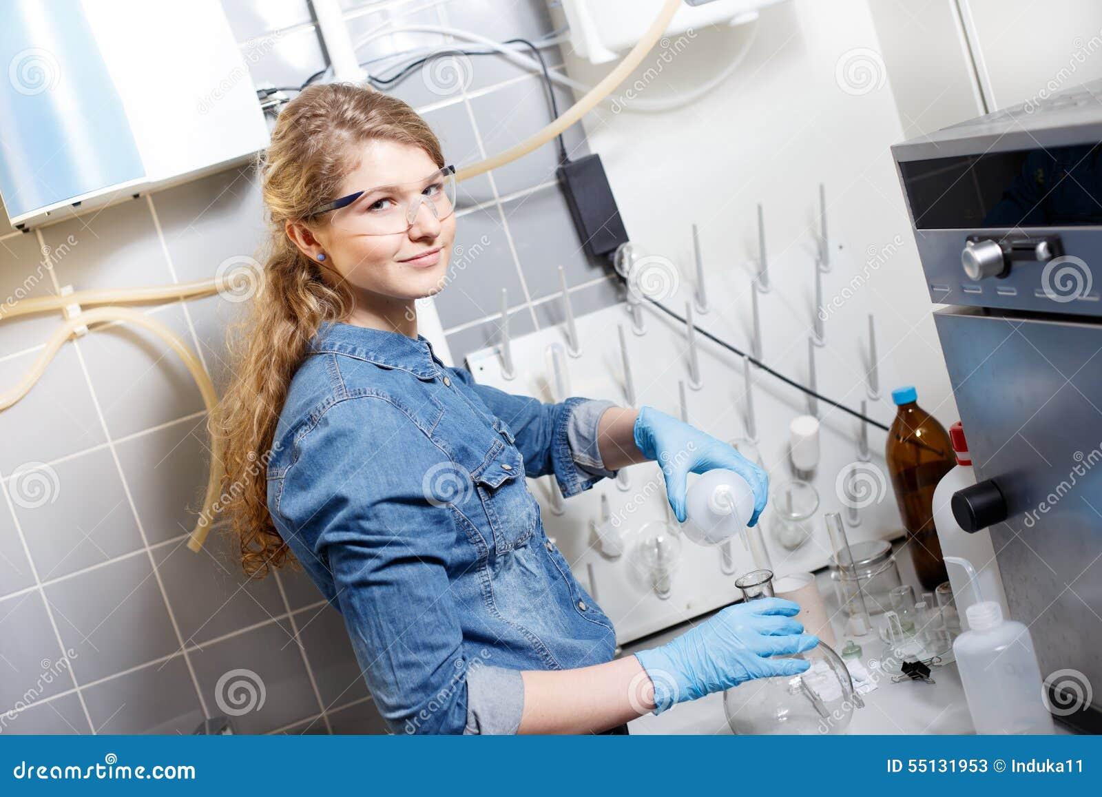 Naukowa badanie w lab środowisku