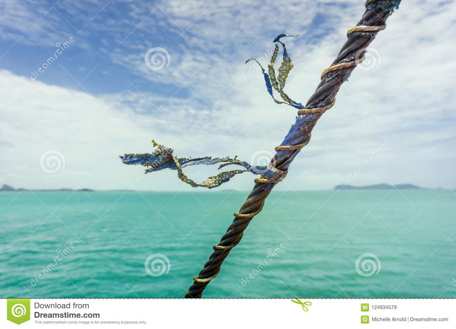 Nautiskt rep som blåser i brisen