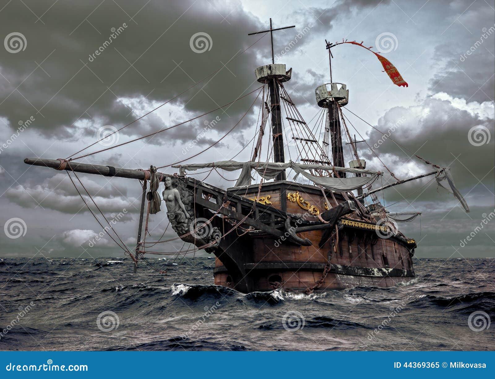 Nave abandonada en el mar