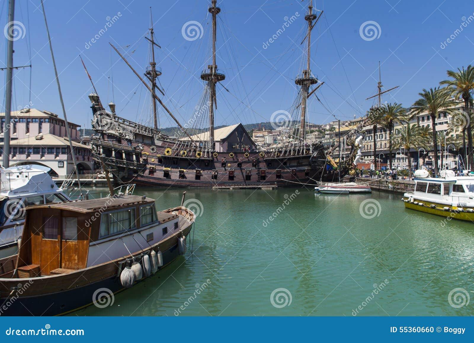 Nave di pirata dell IL Galeone Nettuno a Genova, Italia