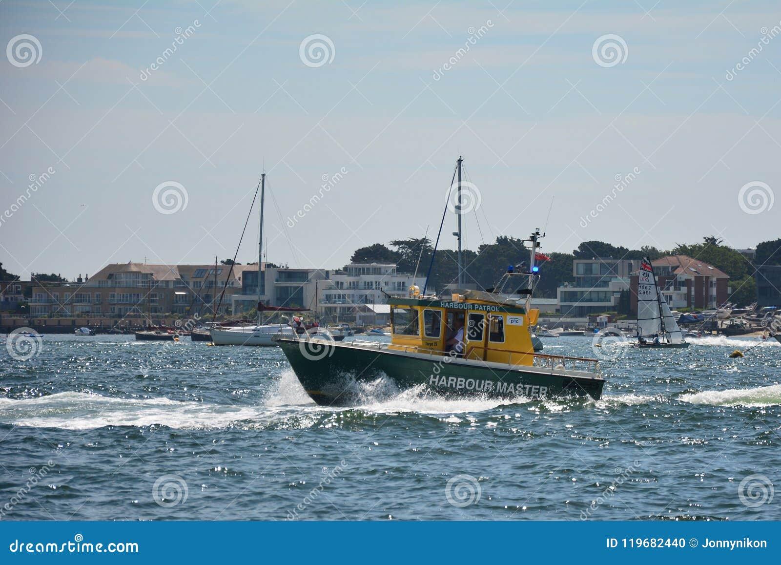 Nave EEMSLIFT HENDRIKA che entra nel porto di Poole