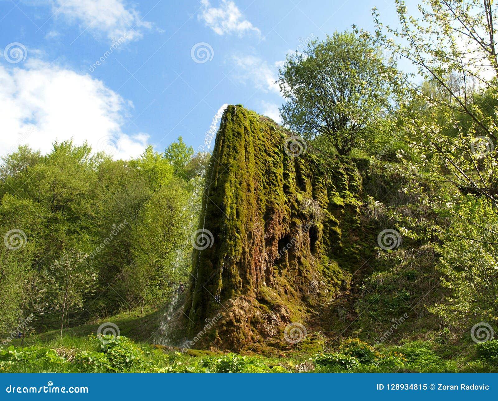 Nave Prachtige waterval genoemd Prskalo