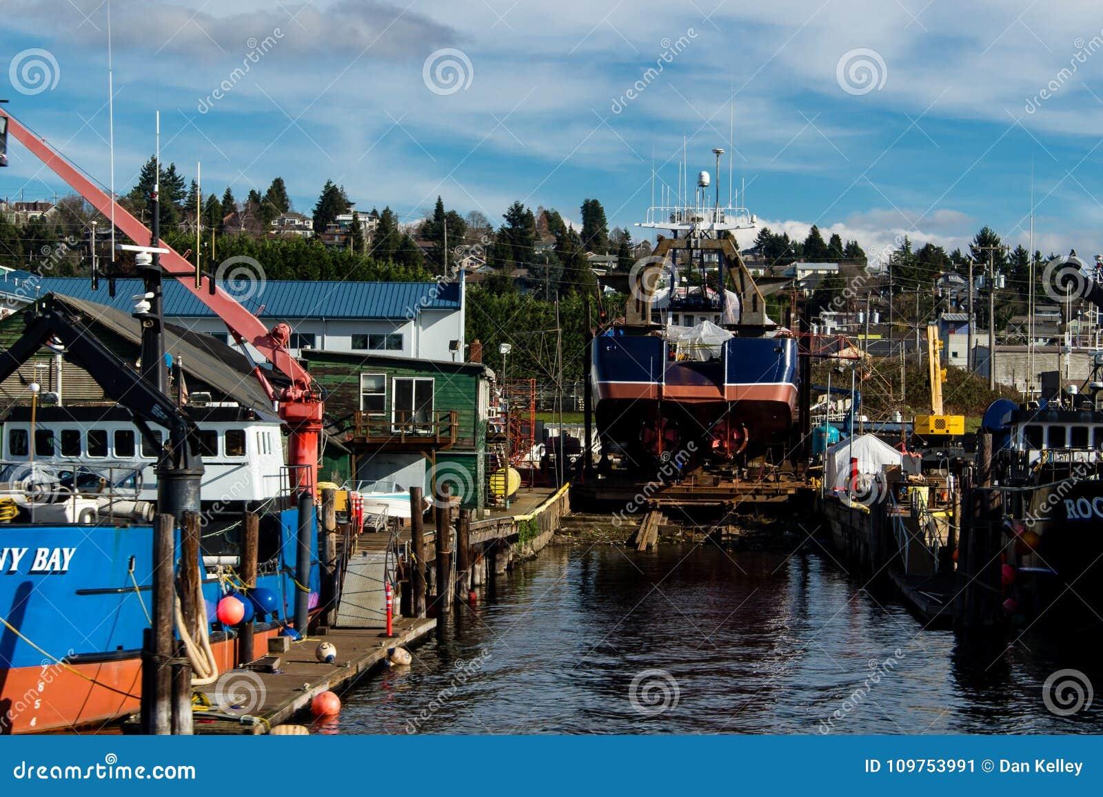 Nave sulle onde in Ballard per manutenzione
